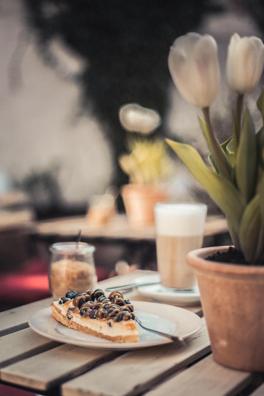 Empehlen-kann-ich-den-Blaubeerkuchen-im-Kuenstlercafe-Husum
