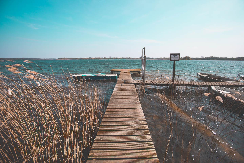 Der-Wind-raut-die-See-am-Schaalsee-auf