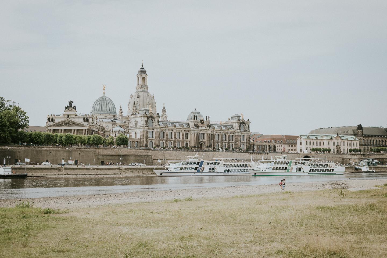 Dresden-Altstadt-vom-Ufer-aus