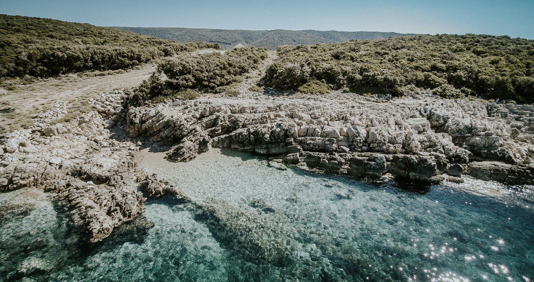 Bei Martinscica auf der Insel Cres gibt es viele abgelegene kleine Buchten.