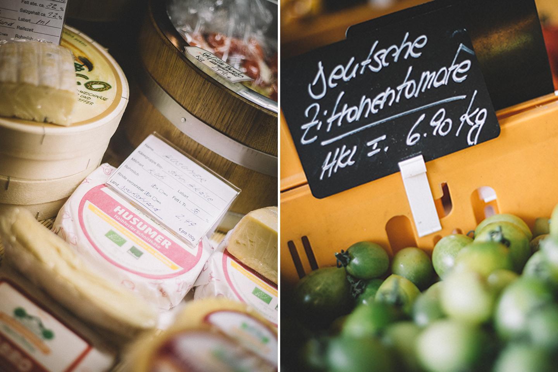 Im Landladen Kraut und Rüben bei Sankt Peter Ording gibt es viele regionale Käsesorten und eine gigantische Auswahl an Tomaten